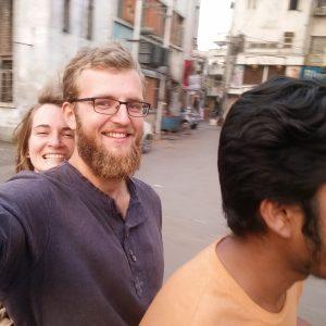 Wir mit Amit auf seinem Roller