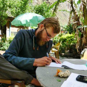 Tagebuch schreiben (Tatopani 1200Hm)